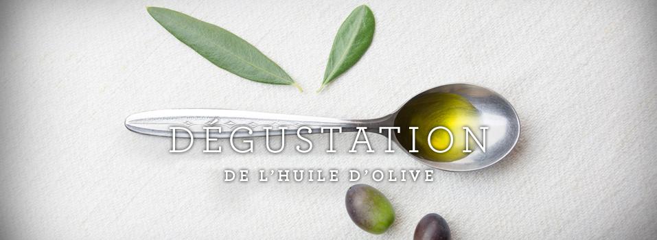 Visuel d'une cuillère contenant de l'huile d'olive